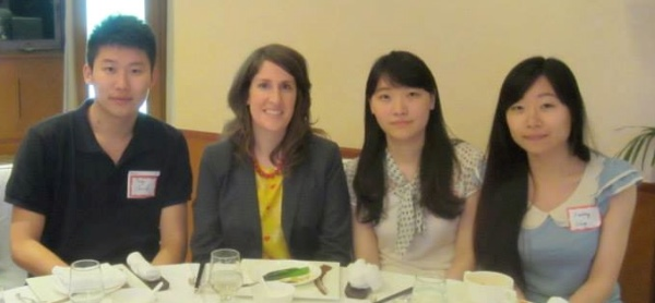 Bridget Fletcher with Chinese students